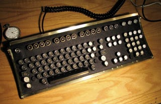 Illustration for article titled Steampunk Keyboard Mod for Brazil Re-enactments