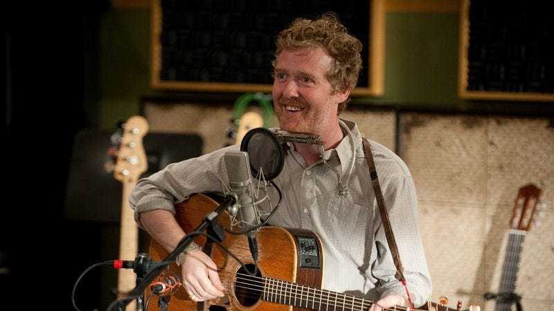 Illustration for article titled Glen Hansard to guest star on Parenthood tonight