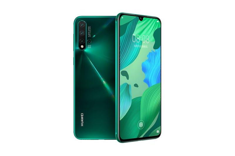 Illustration for article titled Huawei anuncia por sorpresa tres nuevos teléfonos: Nova 5, Nova 5 Pro y Nova 5i