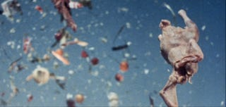 Illustration for article titled Szex, hippik, terror – Antonioni felrobbantja a fogyasztói társadalmat