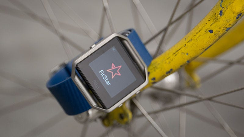The original Fitbit smartwatch (Image: Alex Cranz/Gizmodo)