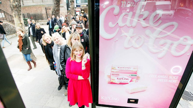 Illustration for article titled Devilishly Clever Ad Distributes Free Cake Samples to Passersby