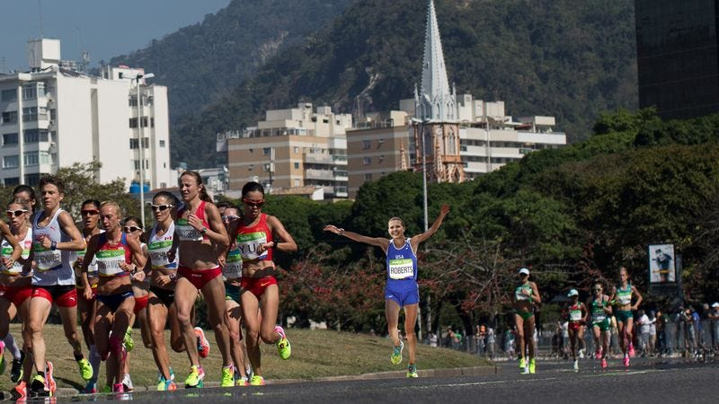 Illustration for article titled Hubris: This Cocky Runner Thought She Was Going To Win The Olympic Marathon, So She Ran The Entire Race With Her Arms In The Air