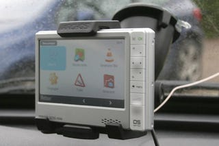 Product review archos 605 wifi portable media player with dish.