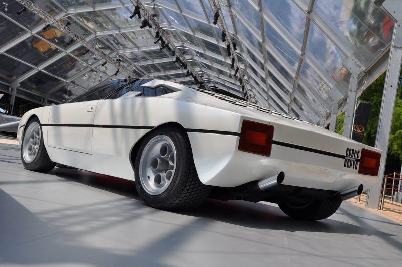 Illustration for article titled Lamborghini's missing link