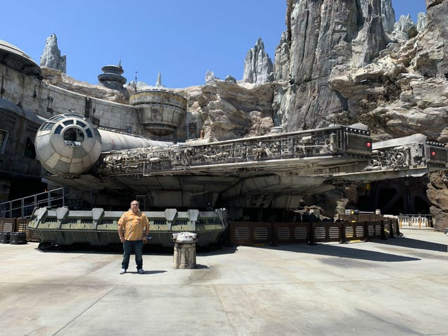 Star Wars: Galaxy's Edge Is Here: The Good, the Bad, and the Incredible