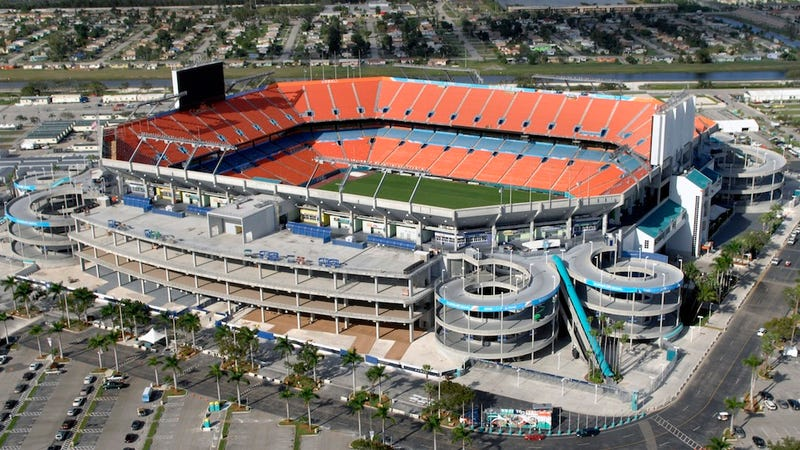 Illustration for article titled Dolphins Can't Get Public Funding, So They Won't Fix Up Their Stadium
