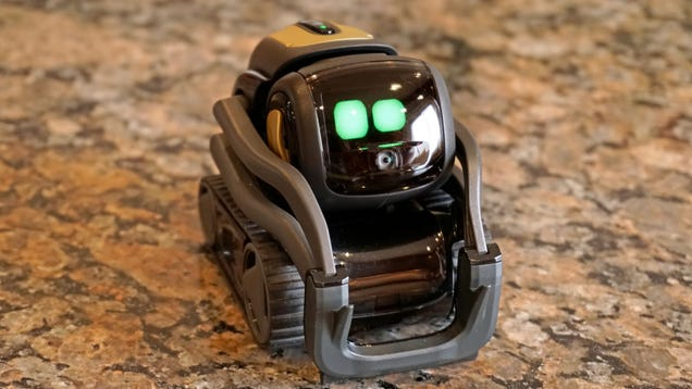 Vector, the Little Robot That Could(n t Do Much) Is Back From the Dead