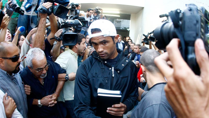 Court orders convicted killer goalkeeper back to jail
