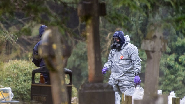 UK Authorities to People Who Came Near Suspected Russian Nerve Agent: Please Wash Your Clothes