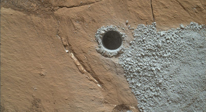 Illustration for article titled There's a Mystery Lurking in Curiosity's Latest Drillholes