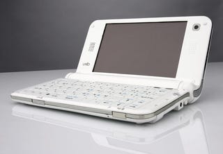 Illustration for article titled Tiny UMID mbook M1: A Mini-Netbook With Mini-Features