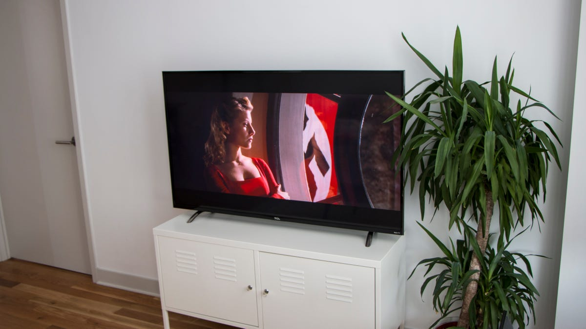 TCL's New Roku 4K TV Is Very Good and Beautifully Cheap