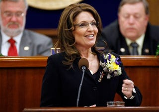 Illustration for article titled Sarah Palin: Prom Queen Flowers Are The New Flag Pin!