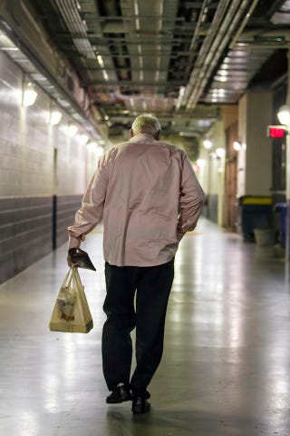 Illustration for article titled Charlie Manuel Takes His Shorti Hoagie And Walks Off Into The Sunset