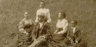 African American family in 1899 (Buyenlarge/Getty Images)