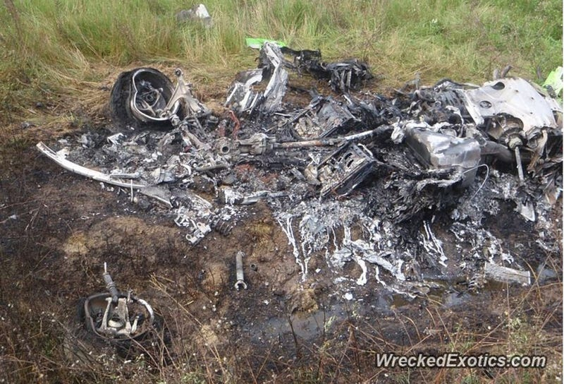 Illustration for article titled This Melted, Smoking Pile Was The First Lamborghini Huracan To Crash