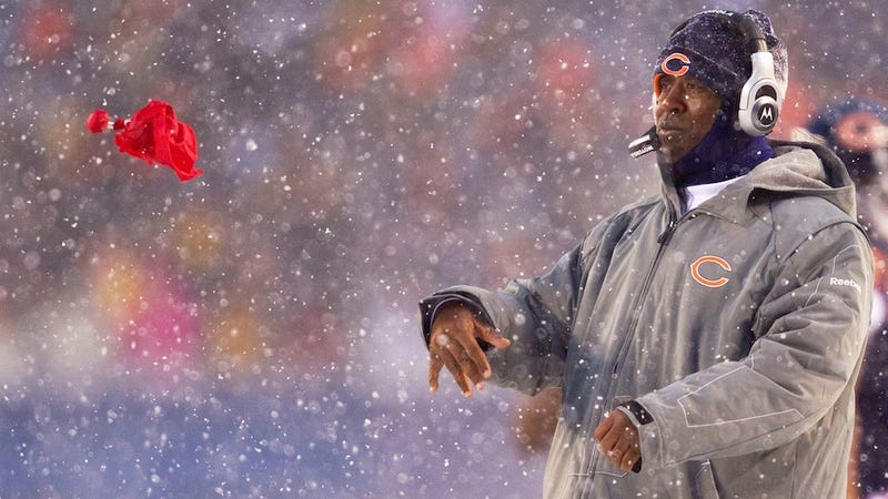 Illustration for article titled The Black Monday Firing That Doesn't Make Any Sense: Lovie Smith