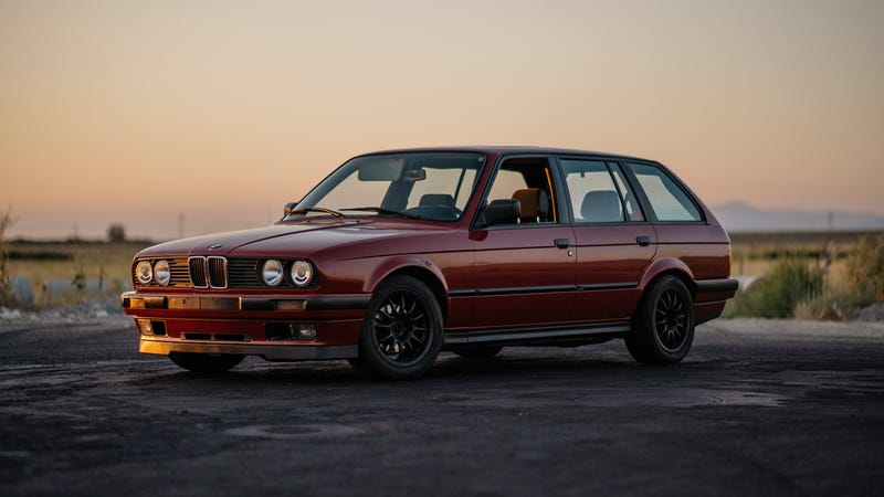 Illustration for article titled Owning This Imported BMW E30 Wagon Was Everything I Dreamed It Would Be