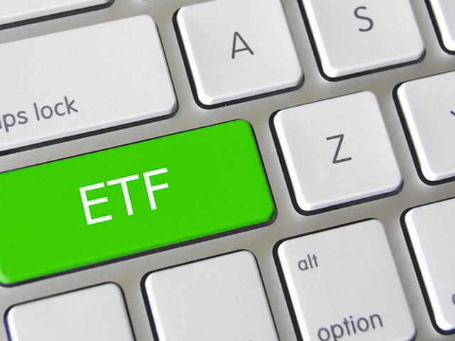 เมื่อใดจึงควรเลือกกองทุน ETF แทนกองทุนรวมเพื่อการลงทุนของคุณ