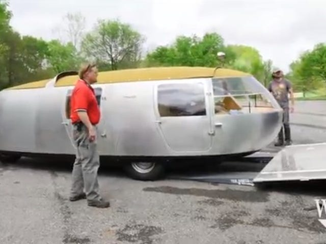 This Working Replica of Bucky Fuller's Dymaxion Car Is Scary As Hell