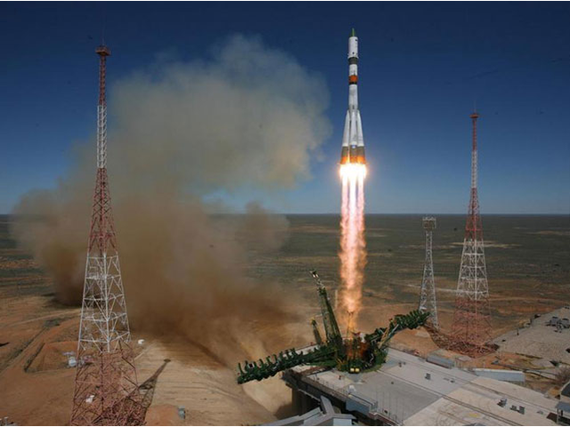 La nave espacial Progress M-27M fuera de control empieza a desintegrarse है