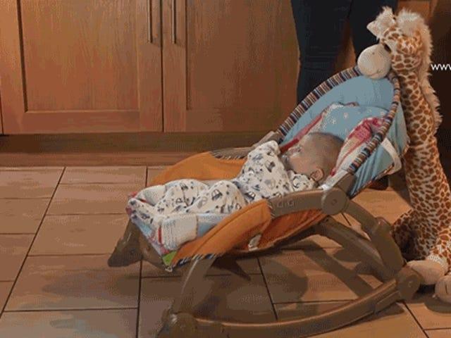 Denne plysjegiraffe vil rocke dine børn til at sove for dig