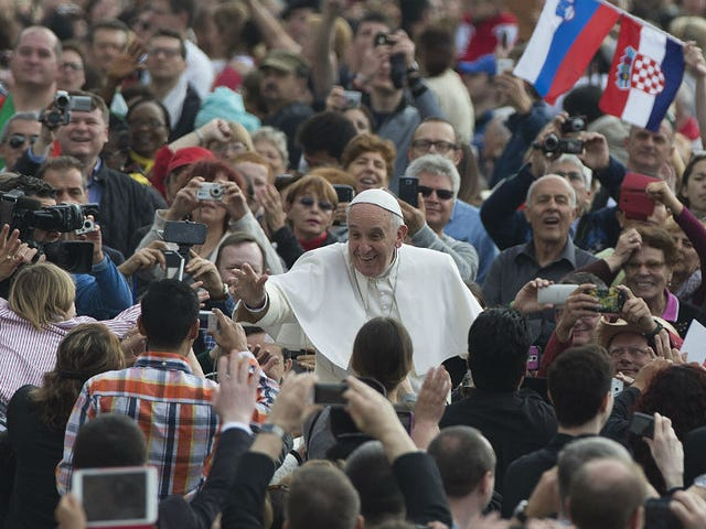 Pope Francis Called the Wage Gap a 'Scandal,' Is a Hero