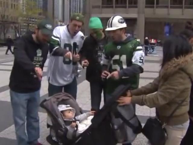 Chicago News Station impersona in modo imperdibile i fan dei Jets