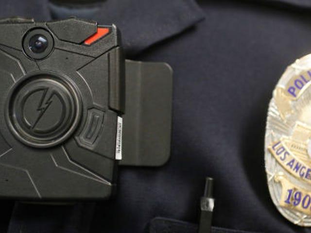 Präsident Obamas 20 Millionen Dollar für Polizeikameras sind ein guter Anfang