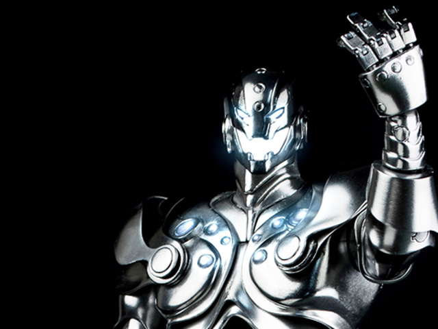 A Better Look At ThreeA's Ultron Figure Reveals A Gloriously Shiny Robot