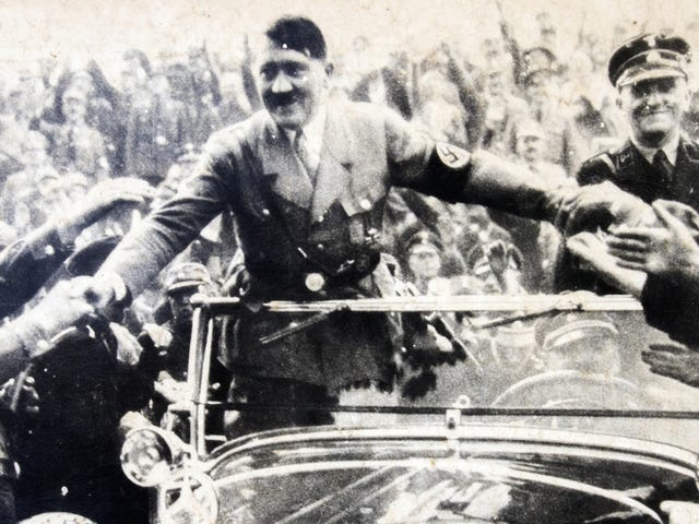 แผนการ surrealista วางแผนที่จะเปลี่ยนเป็น Hitler en Mujer