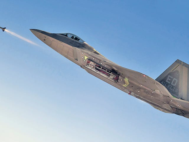 Why It's Sad That The F-22 Just Fired Its First Guided AIM-9X Sidewinder