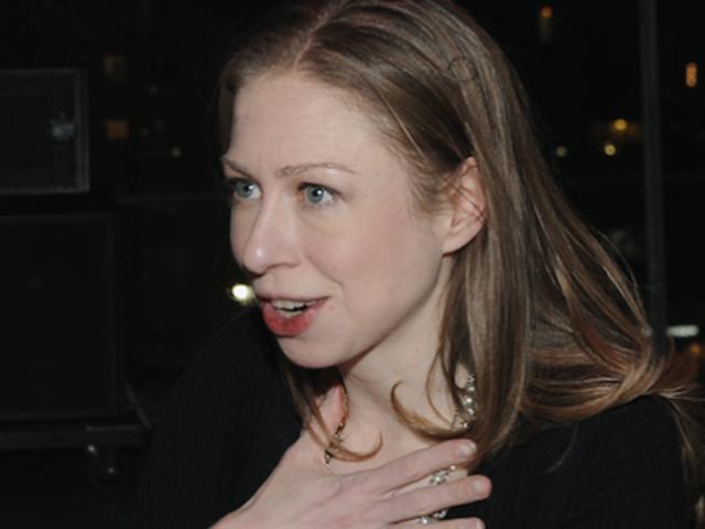 Ang Chelsea Clinton ay Nagwawasak ng Pagkagambala sa Clinton Foundation