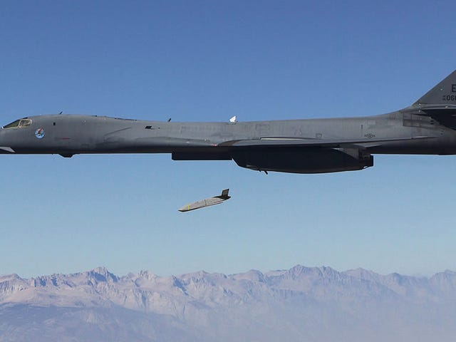 This Stealth Missile Will UseEMPs To CrippleEnemyElectronics