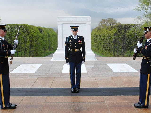 "Look Inside The Army's Elite ""Old Guard"" This Memorial Day"