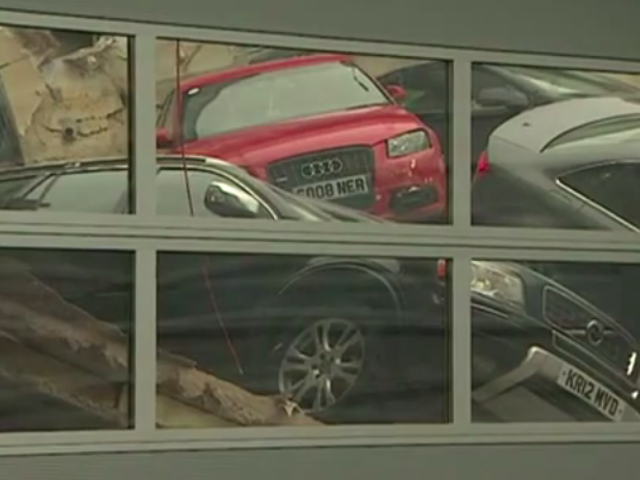Dealership Roof Collapse slutter i Massive Audi-valanche