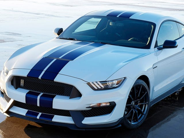 Ford Mustang Shelby GT350s Glorious Flat Plane Crank V8 Nominelt ved 526 HP