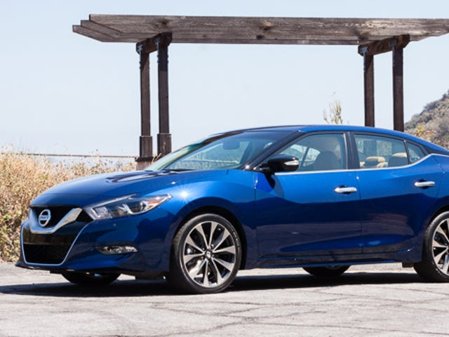 Oppo First Drive: 2016 Nissan Maxima SR