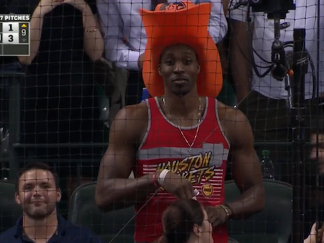Wacky, Hilarious Guy Dwight Howard Wore A Big Hat To The Astros Game
