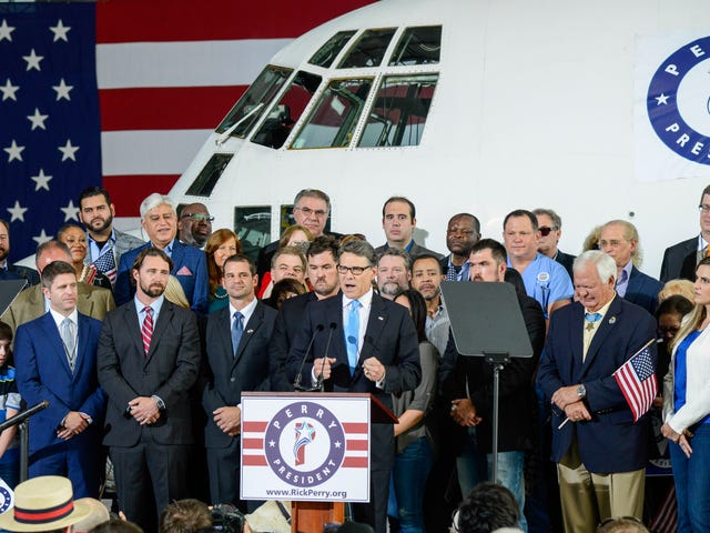 Rick Perry lejet en C-130 Hercules at bruge som kampagnespark