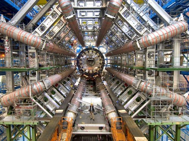 El LHC está de vuelta en el negocio.  Pero, ¿qué es lo que realmente va a decirnos?