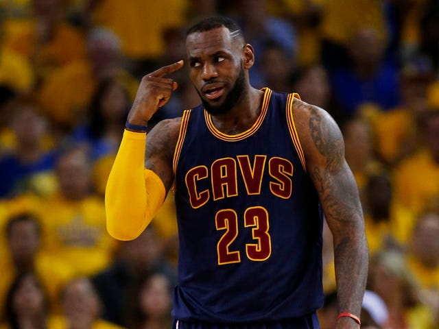 LeBron James Dimainkan Jenis Terbaik Ball Hero