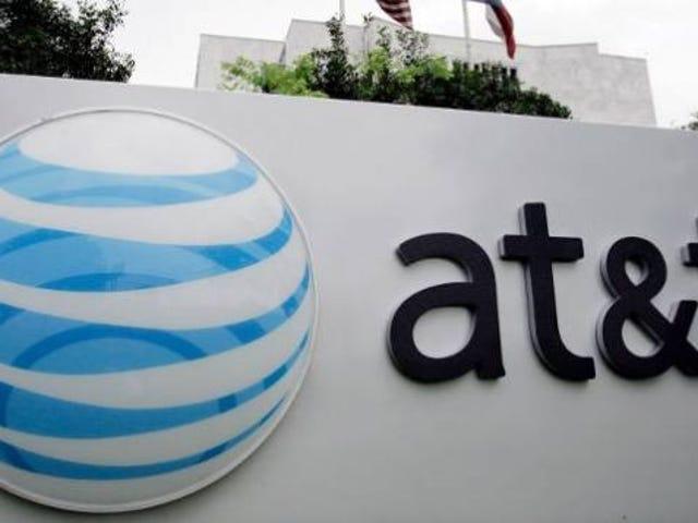 """AT & T Mesti Bayar $ 100 Juta untuk Sekiranya Melambatkan Data """"Tanpa Had"""""""