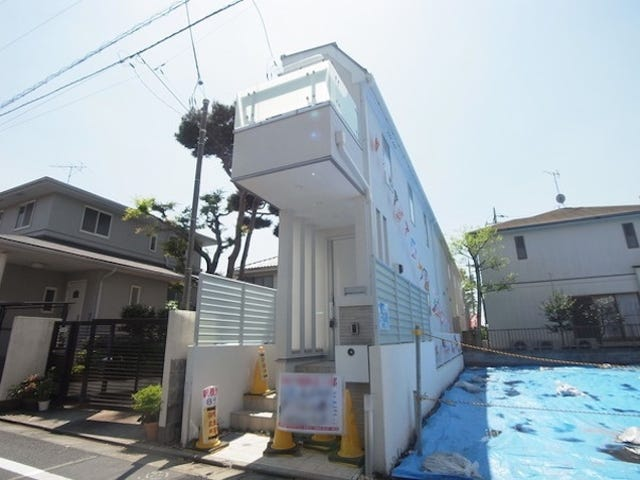 Ang Super Skinny Japanese House Ay Isang Long Hallway