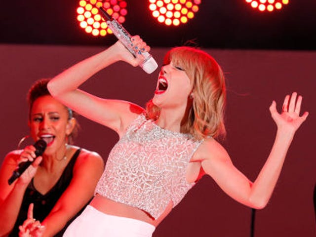 <i>1989 </i>Won't Be On Apple Music, And That's Bad News For Apple