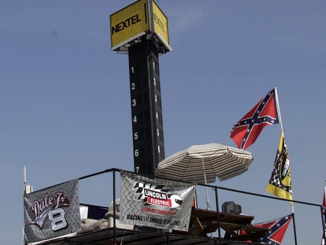 NASCAR apóia a remoção da Carolina do Sul da bandeira confederada
