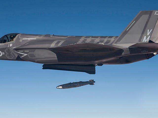 Un informe敦促EE.UU. 装备los nuevos F-35c con armas核心