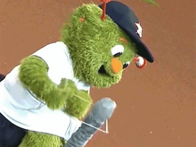 Orbit Just <i>Loooooves</i> Baseball