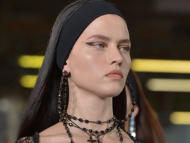 Thirst Trap, Fashion Week Edition: Givenchy siirtää kiitotien esityksiä NYC: lle